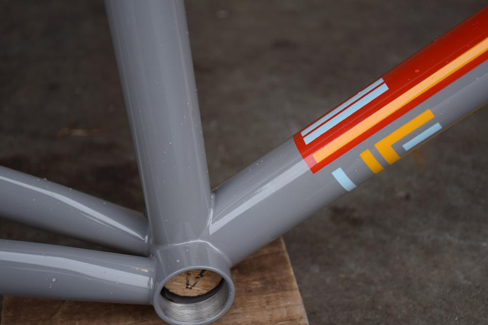 57cm Pegoretti Responsorium Falz in the Somebody color scheme. In stock at Lakeside Bicycles.