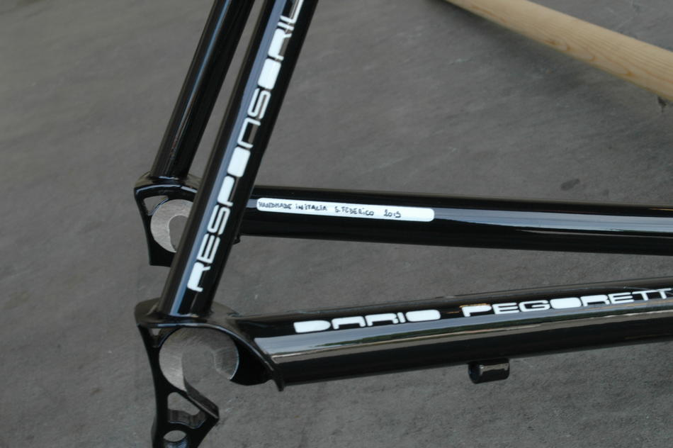 53cm Pegoretti Responsorium Falz in Venetian Panel color scheme. In stock at Lakeside Bicycles