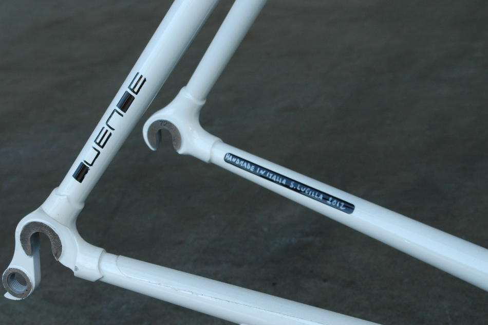 52cm Duende in Somebody paint scheme. In stock at Lakeside Bicycles.