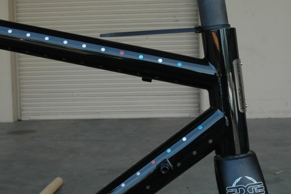 51cm Pegoretti Responsorium EDGE in Goze color scheme. In stock at Lakeside Bicycles