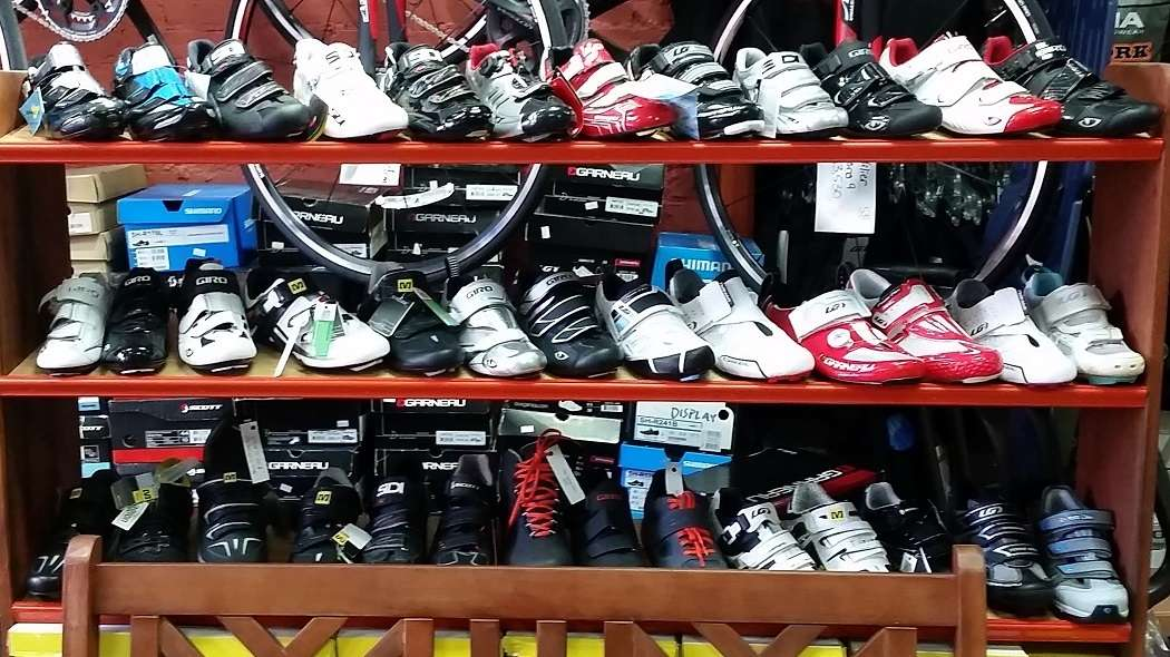 Huge cycling shoe selection at Echelon Cycles