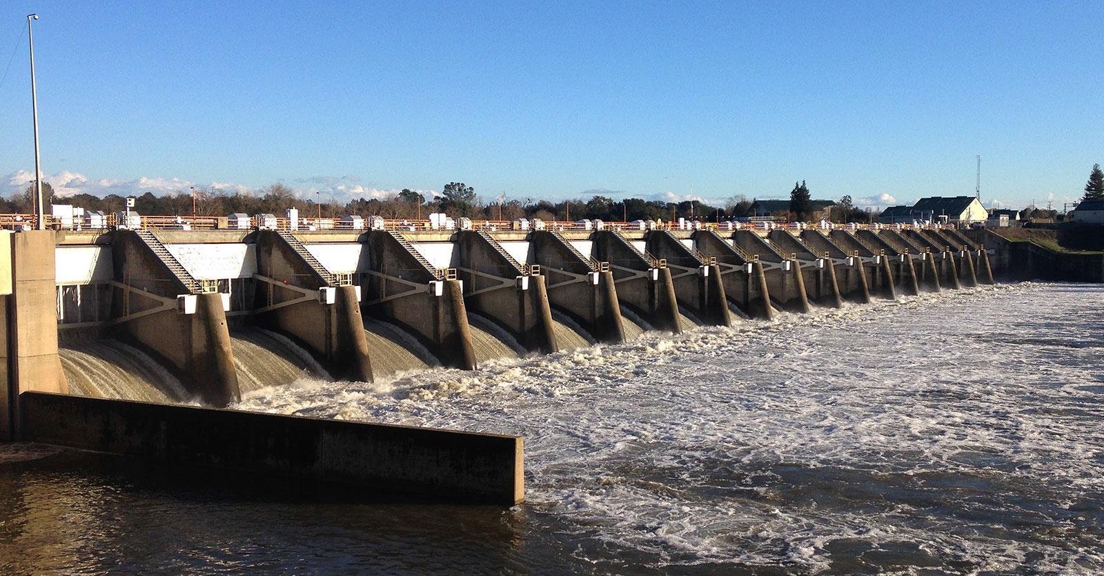 Lake Natoma Dam