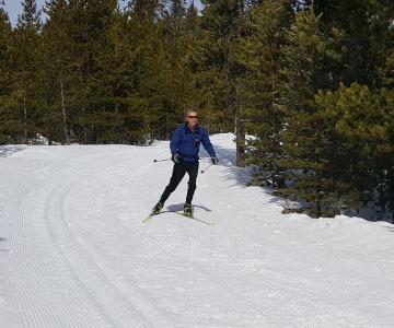 skier at virginia meissner sno-park