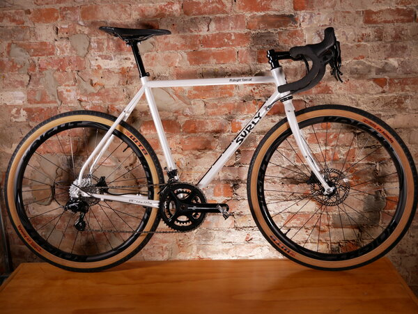 Surly Urbane Custom x Surly Midnight Special Campagnolo