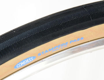 Rene Herse / Compass 700 x 32c Stampede Pass Folding Tires