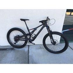 Specialized 2019 Specialized Stumpjumper 27.5 Comp Carbon DEMO Bike