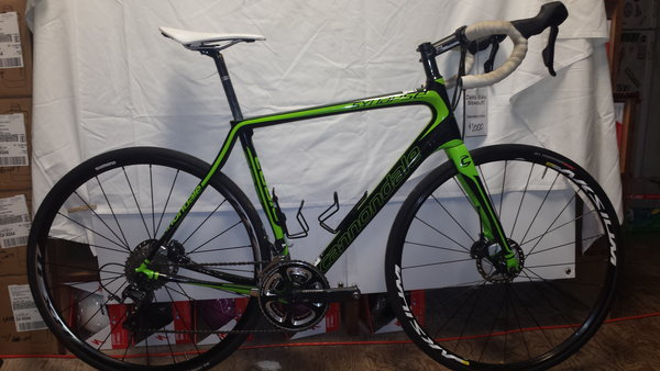 Cannondale 56cm Cannondale Synapse Disc Shimano 105 Compact