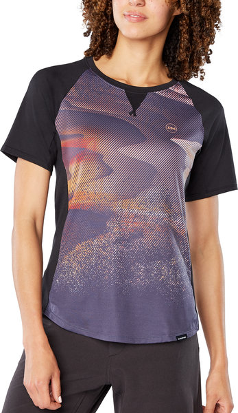 Dakine Xena Short Sleeve Women's Jersey Color: Electric Dune