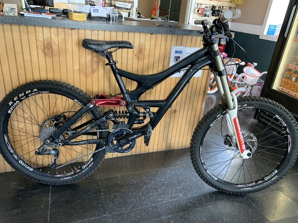 """Used Bike Used Specialized Downhill MTB 18"""""""