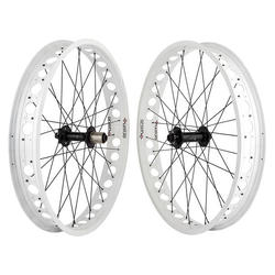 Wheel Master WHL PR 26x4.0 559x74 OR8 AT-PRO80 WH 32
