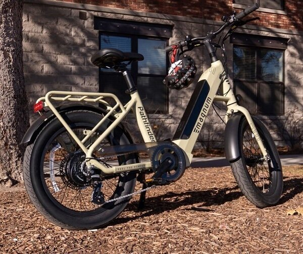Magnum Bikes Pathfinder Urban Compact ST Fat Tire E-Bike