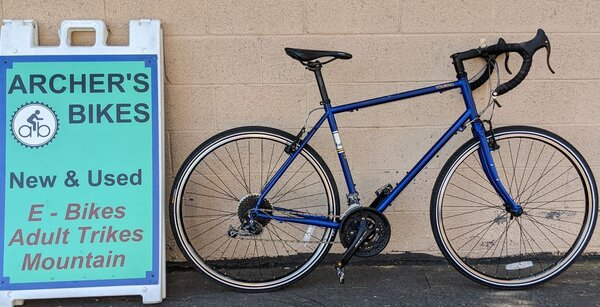 Fuji Touring Hybrid 58cm Blue (used)