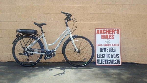 IZIP E3 Path Plus Electric Bike