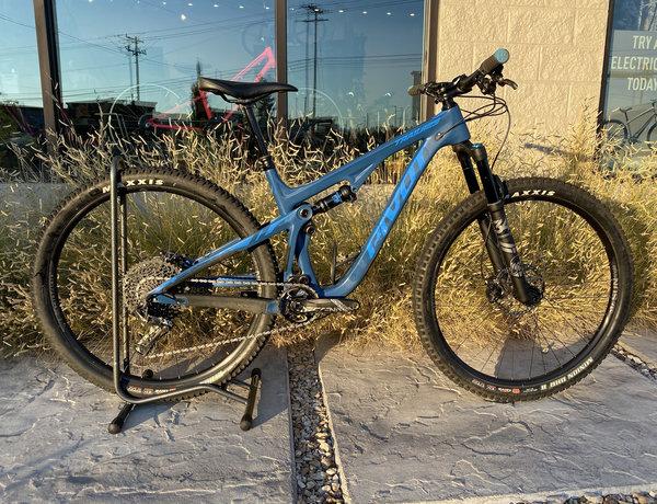 Pivot Cycles DEMO Trail 429 Race X01