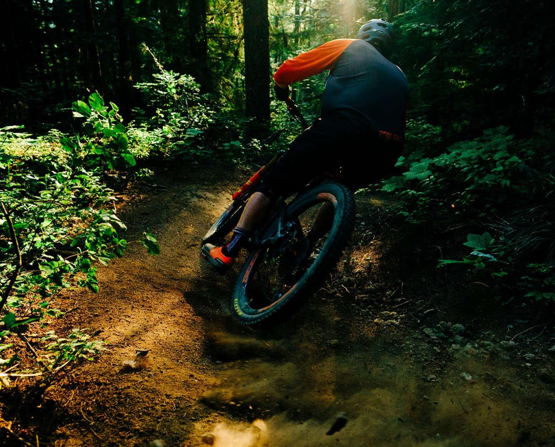 man mountain biking mount spokane