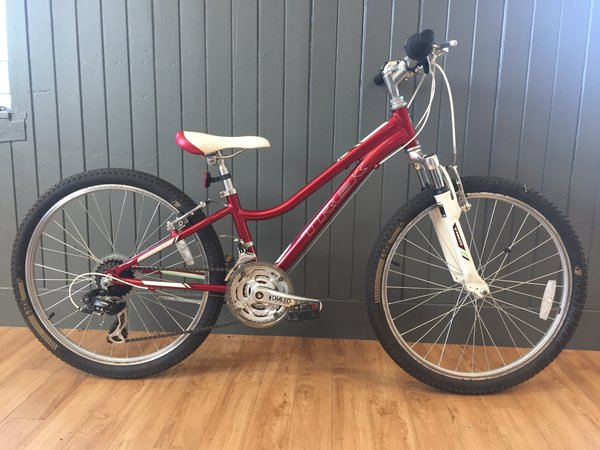 Bike Tech Usedbike Trek MT220 Red Kids 24""