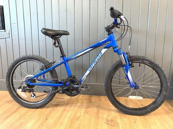Bike Tech Usedbike Specialized Hotrock 6spd kids Blue 20""