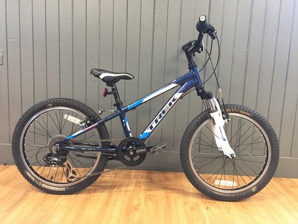 """Bike Tech Usedbike Trek MT60 Navy/Wht 20"""""""