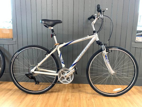 """Trek Usedbike Trek 7100 Sil/Wht 17.5"""""""