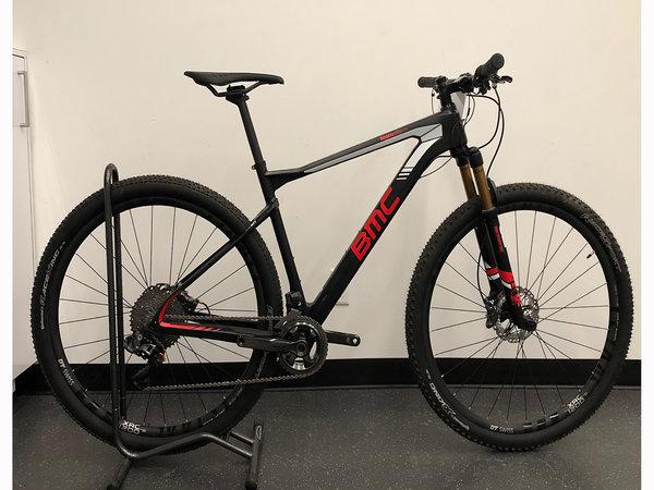 USED BIKES Used 2017 BMC Team Elite 01 XTR Di2