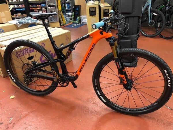 Rocky Mountain USED Rocky Mountain Element C90 (Custom Build)