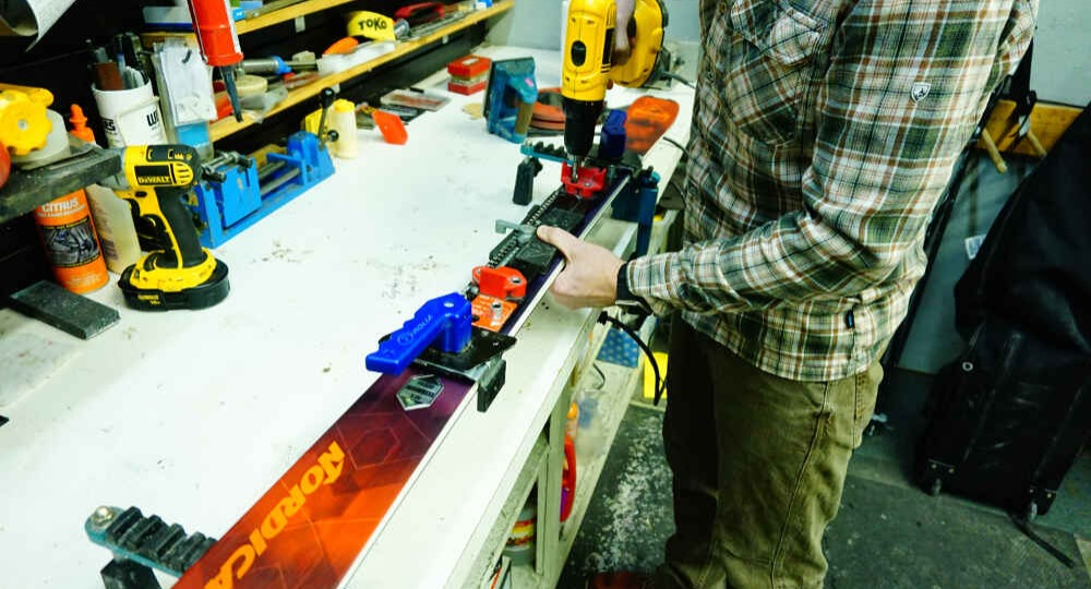 Ski & Snowboard Tuning and Rentals