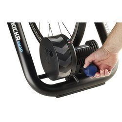 Wahoo Wahoo Fitness KICKR SNAP Wheel-on Smart Indoor Bike Trainer
