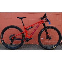 Santa Cruz Blur Carbon CC X01 Trail Reserve Demo Bike