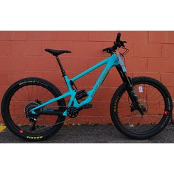 Santa Cruz Bronson Carbon CC X01+ Reserve Demo Bike