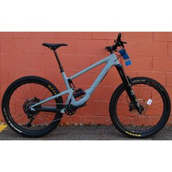 Santa Cruz Bronson Carbon C S Reserve Demo Bike