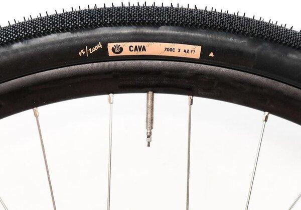 Ultradynamico Cava Tire 700c x 42.??