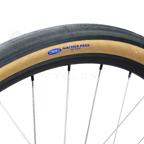 Compass Tire Naches Pass 26x1.8 Black/Tan Standard