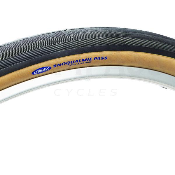Compass Tire Snoqualmie Pass 700x44 Black/Tan Standard