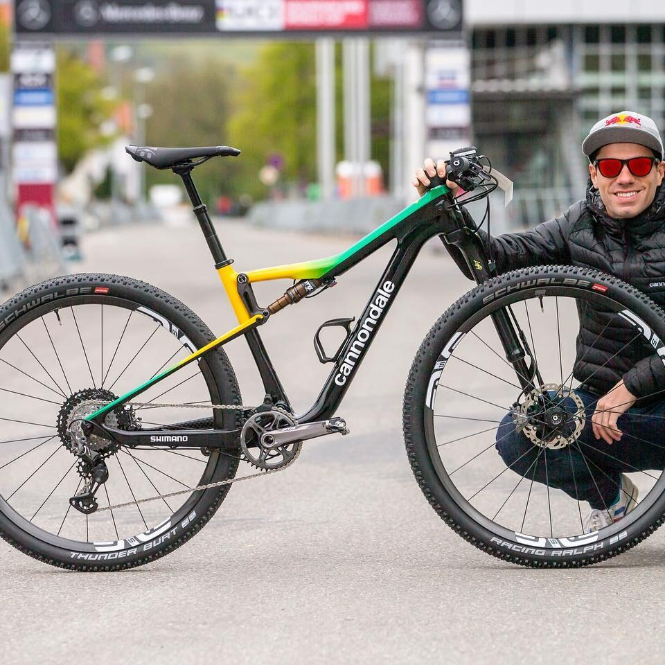 Cannondale Scalpel and Henrique Avancini prepare for the World Cup