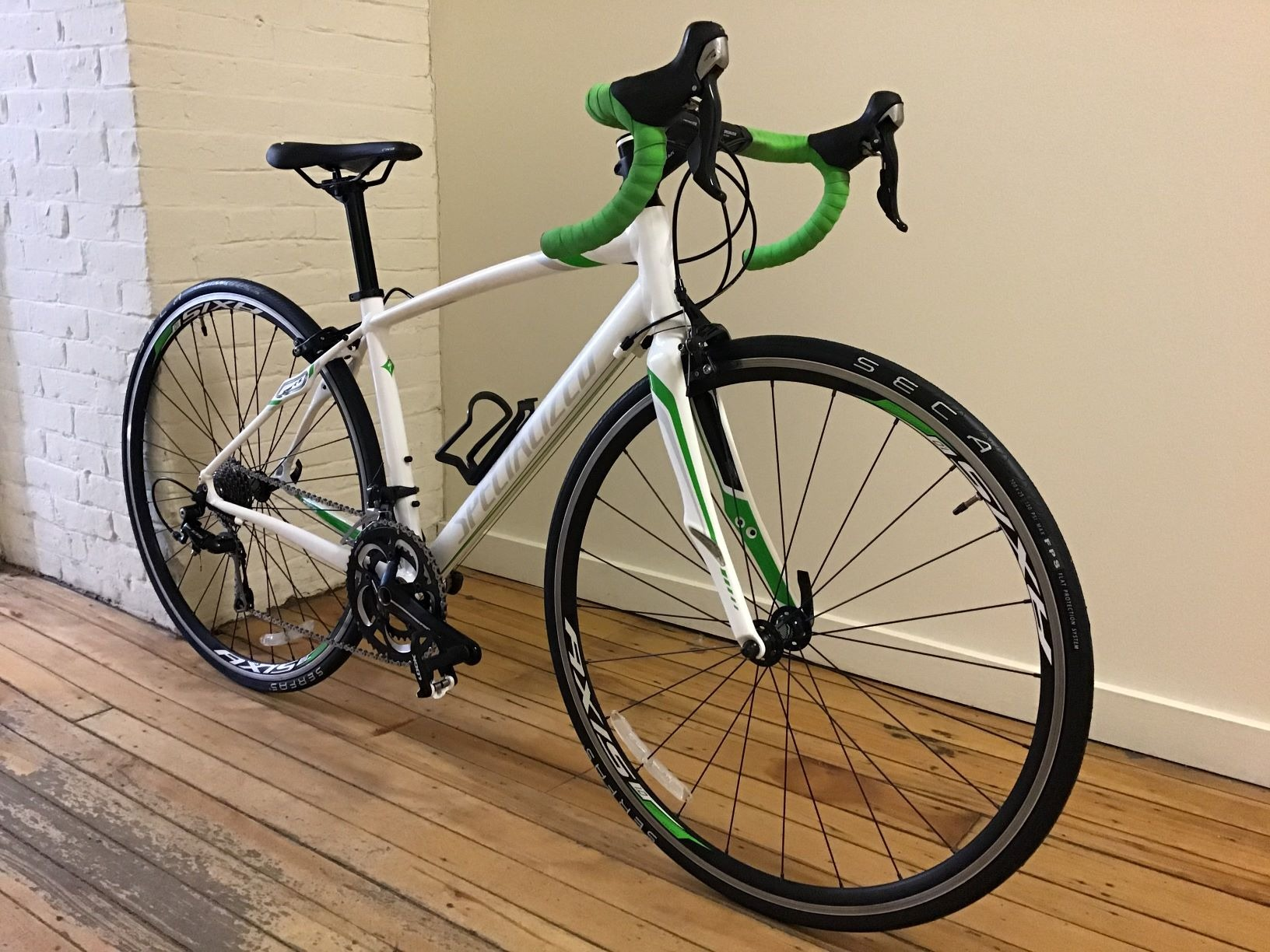 44cm Specialized Dolce Comp