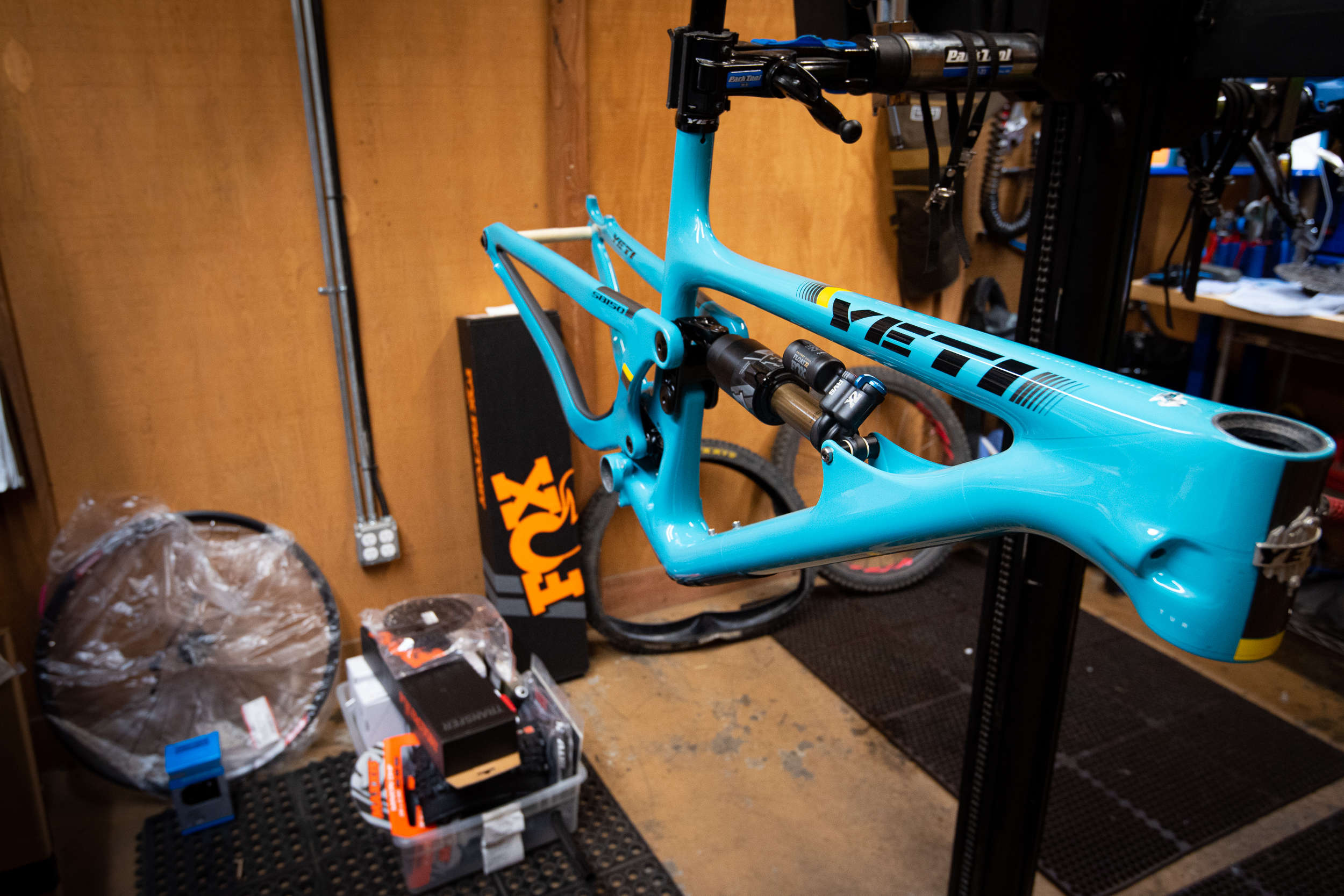 Custom bike yeti sb150 being built