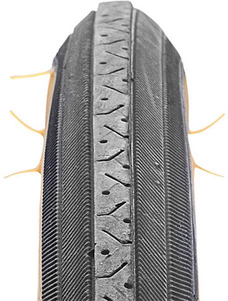 "CST Tire 27 x 1-1/4"" Road Raised Center / CST C638 / K35 (27-inch)"