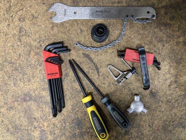 Albrecht / BICI Hand Picked Home Mechanic Tool Kit