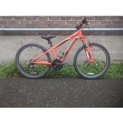 Specialized USED Specialized Hotrock 24