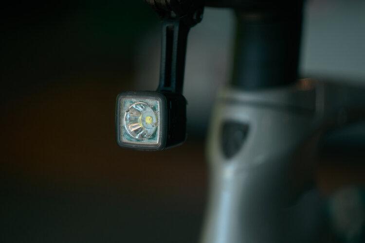 Headlight mounted to stem
