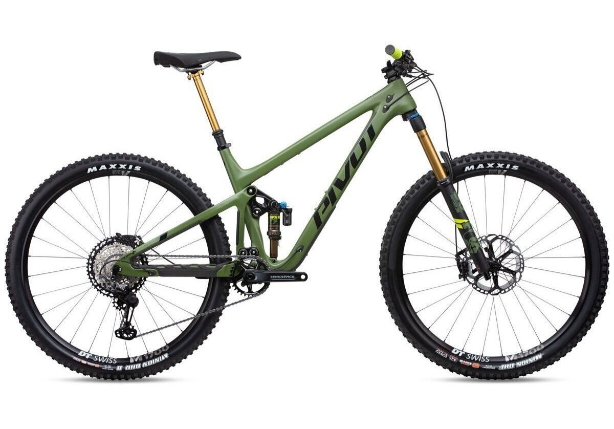 Stock image of a Pivot Switchblade full-suspension mountain bike
