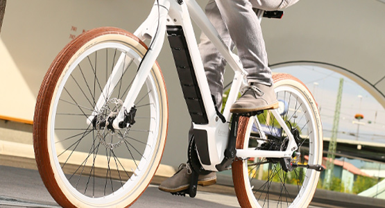 Electric bicycle for commuting and other urban riding