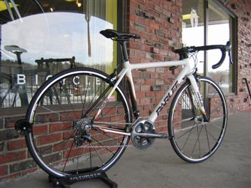 Parlee Z5 with Dura Ace and Mavic R-Sys SL wheels